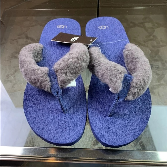 3676c1bb189 New Big Kids UGG Blue Flip Flop Size 6 NWT